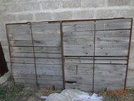 Продам ворота с калиткой б/у Продам ворота с калиткой б/у. Две створки. Металл, дерево. Размеры 2500 х 1500. Размер калитки 2000 х 900. Срочно. Недоро, Астрахань - Двери, окна, балконы