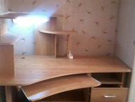 Гатчина: Компьютерный стол б/у в идеальном состоянии без следов эксплуатации, с подсветкой В связи с переездом, срочно продаю угловой компьютерный стол. Состоя