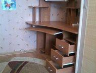 Компьютерный стол б/у в идеальном состоянии без следов эксплуатации, с подсветкой В связи с переездом, срочно продаю угловой компьютерный стол. Состоя, Гатчина - Столы, кресла, стулья