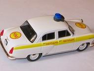 Липецк: полицейские машины мира №37 Газ-21 Волга народная милиция Болгарии цвет:бело-жёлтый, масштаб:1:43, сделан из металла и пластика, модель в блистере, с