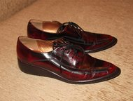 Ботинки - лакированная кожа, 39-39, 5 размер Ботинки - лакированная кожа.   39-39, 5 размер. Каблук 4 см.   Цвет красно-бордовый с потертостями, выгля, Москва - Женская обувь