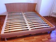 Кровать 2-х спальная с матрасом В срочной продаже замечательная, большая, с красивым дизайном и очень удобная 2-х спальная кровать известной своим кач, Новосибирск - Мебель для спальни