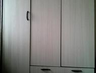 шкаф для одежды шкаф для хранения одежды, современный дизайн, в хорошем состоянии, 2 отдела и 2 ящика. Венги с белым. Продам срочно, Прокопьевск - Мебель для спальни