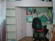 Продам кровать-чердак продам кровать-чердак в отличном состоянии, большой шкаф, письменный стол, ортопедический матрац. Цвет розовый., Тольятти - Детская мебель