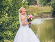 продам свадебное платье Продам платье р-р 42-44, в хорошем состоянии, цвет белый. Юбка пышная, корсет хорошо держит форму!, Тольятти - Свадебные платья